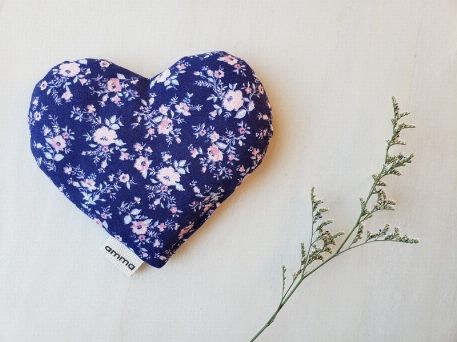 Amma T.- Coussin réconfort Coeur pour bébé-Romance, Bleue